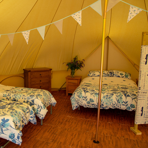 The Oaks Holiday Park: Glamping Holidays