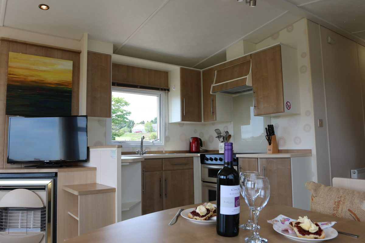 Rowen Well Equipped Kitchen